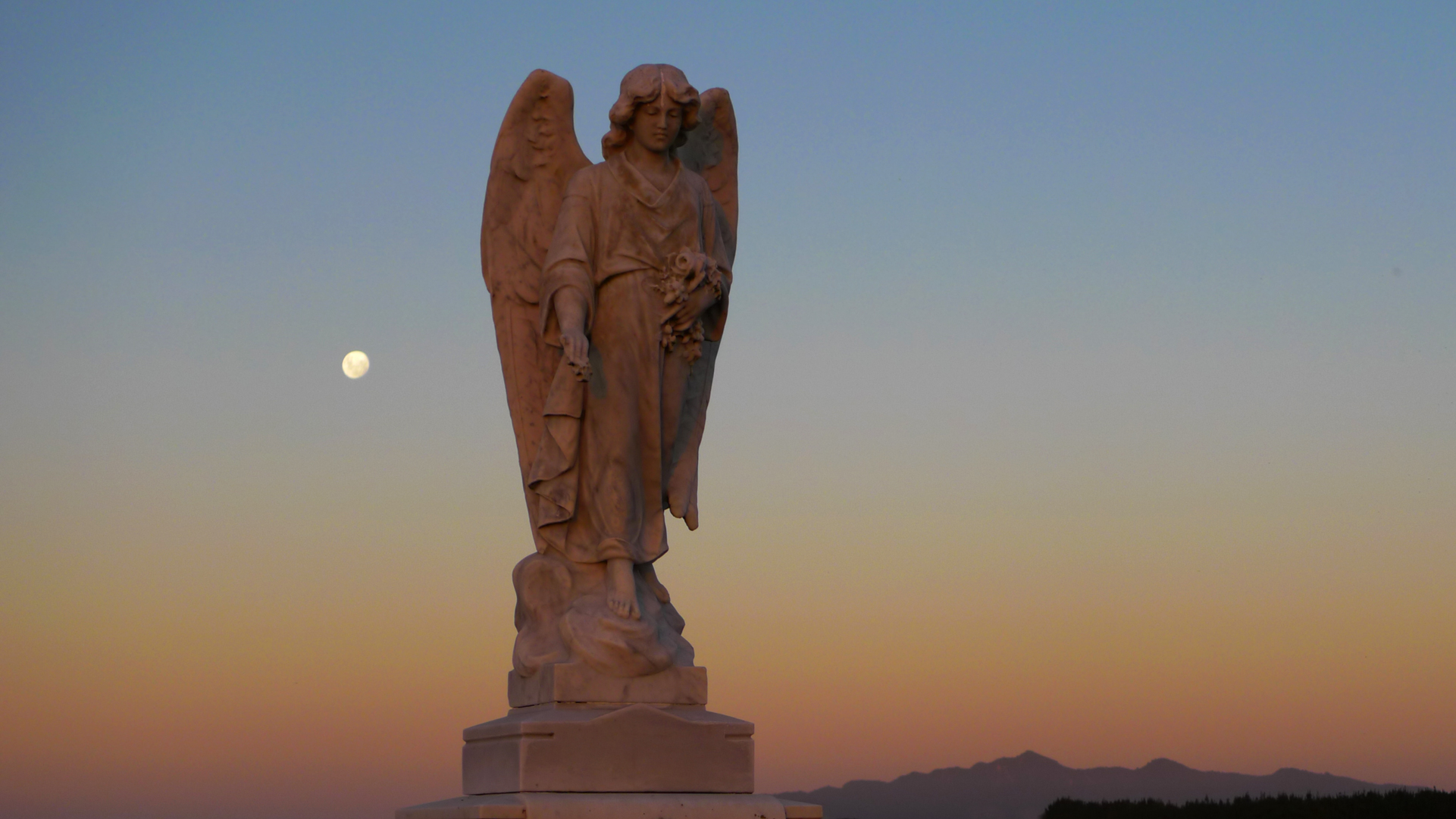 2-28-1128 Moonrise angel