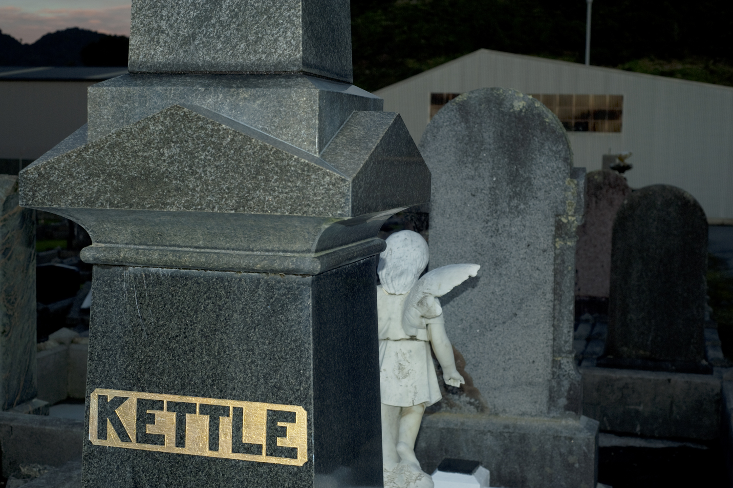 Kettle angel child, Greymouth cemetery.